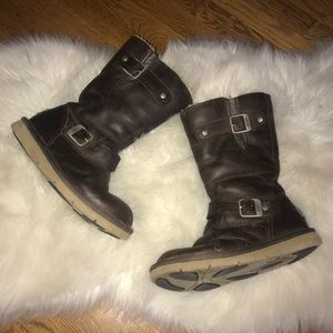 UGG Kensington brown leather boots size 6